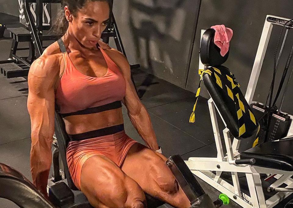 Atleta feminina treinando