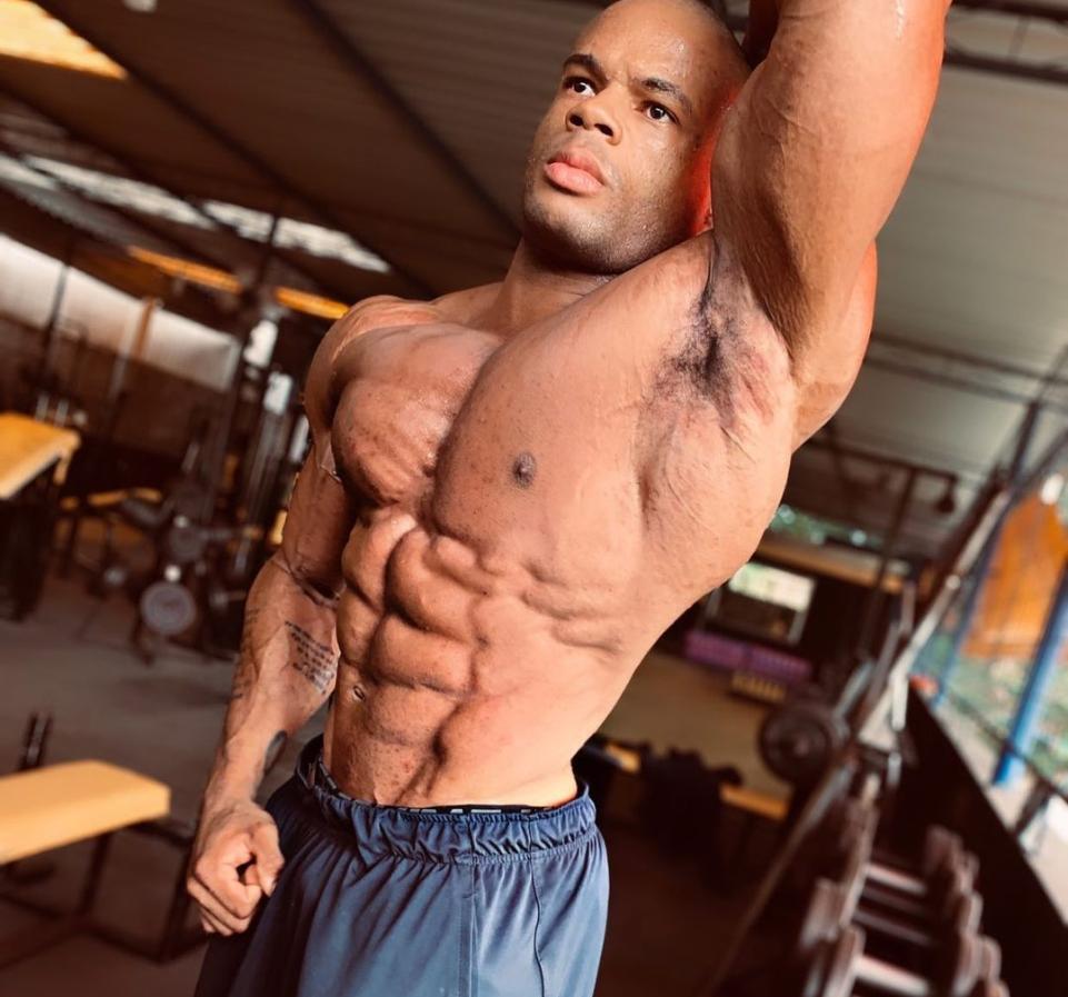 Atleta de fisiculturismo